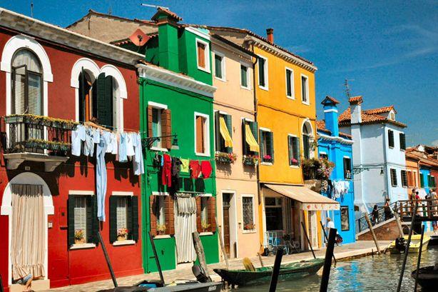 Viaggio nelle citt pi colorate del mondo the world is mine for Insieme del programma della casa