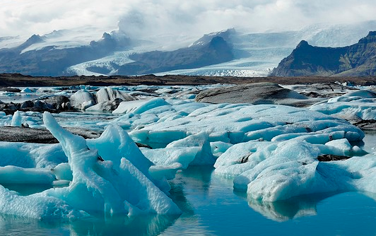 Tarikan menarik di negara Iceland